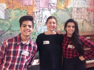Lana aus Syrien (rechts) mit Svenja und ihrem Bruder Layth. Foto: Oertel