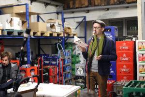 Paul Bokowski las im ADO Getränkemarkt. Foto: georg+georg