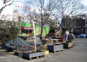 Auf dem Parkplatz am Centre Francais befindet sich ein Gemeinschaftsgarten. Foto: Hensel