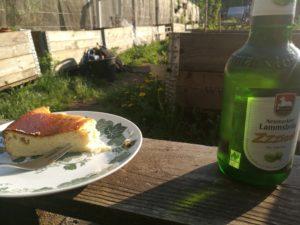 Kuchen und Trinken