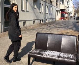 Anna Böhm unterwegs in ihrem Weddinger Kiez.