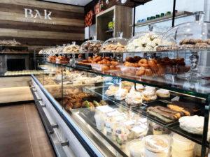 Blick auf die Theke im Inneren des Frühstückshauses in der Prinzenallee. Foto: Stöckel