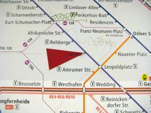 Rund um den Bahnhof Seestraße wird gebaut. Ersatzverkehr ist die Folge. Foto: Hensel