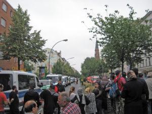 Amokalarm in der Wilhelm-Hauff-Grundschule, die Polizei sperrte am 5. Juni die Prinzenallee. Foto: Hensel