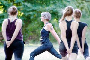 Yoga im Schillerpark. Foto: Hruod Burgher