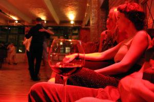 Selbst tanzen oder nur zuschauen? Beides ist möglich. Foto: Hensel