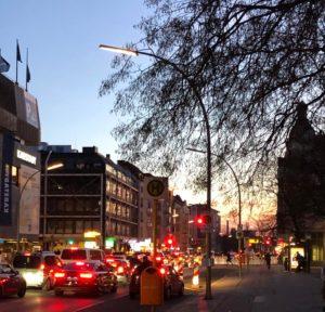 Straßenbild am Abend