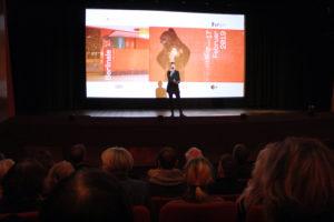 Berlinale 2019 im City Kino Wedding: Kinobetreiberin Anne Lakeberg begrüßt das Publikum. Foto: Hensel