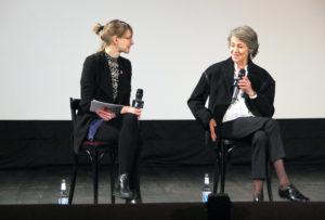 Anne Lakeberg beim Filmgespräch mit Charlotte Rampling (rechts). Foto: Hensel