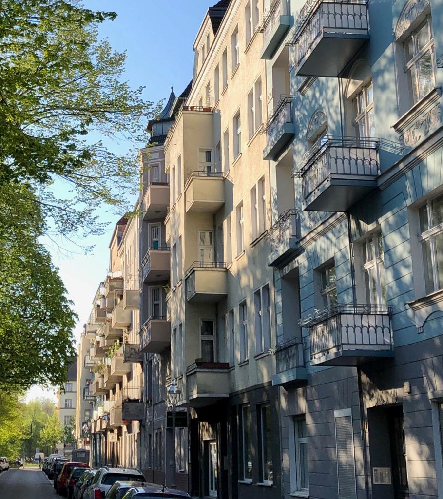 Togostraße Häuserfronten