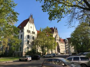 Amtsgericht Wedding und Vorplatz