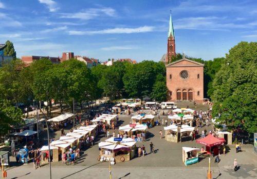 Gesamtbild des Weddingmarkts auf dem Leopoldplatz