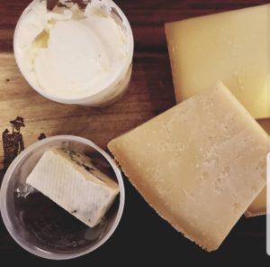 Mehrere Sorten Käse ohne Verpackung
