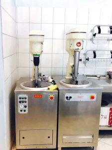 Eismaschine beim Eis Henri
