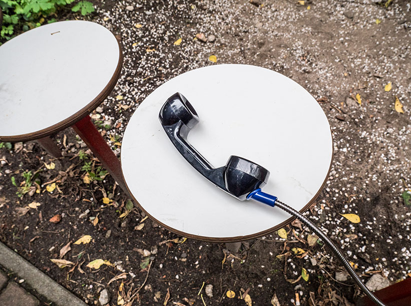 schwarzer Telefonhörer