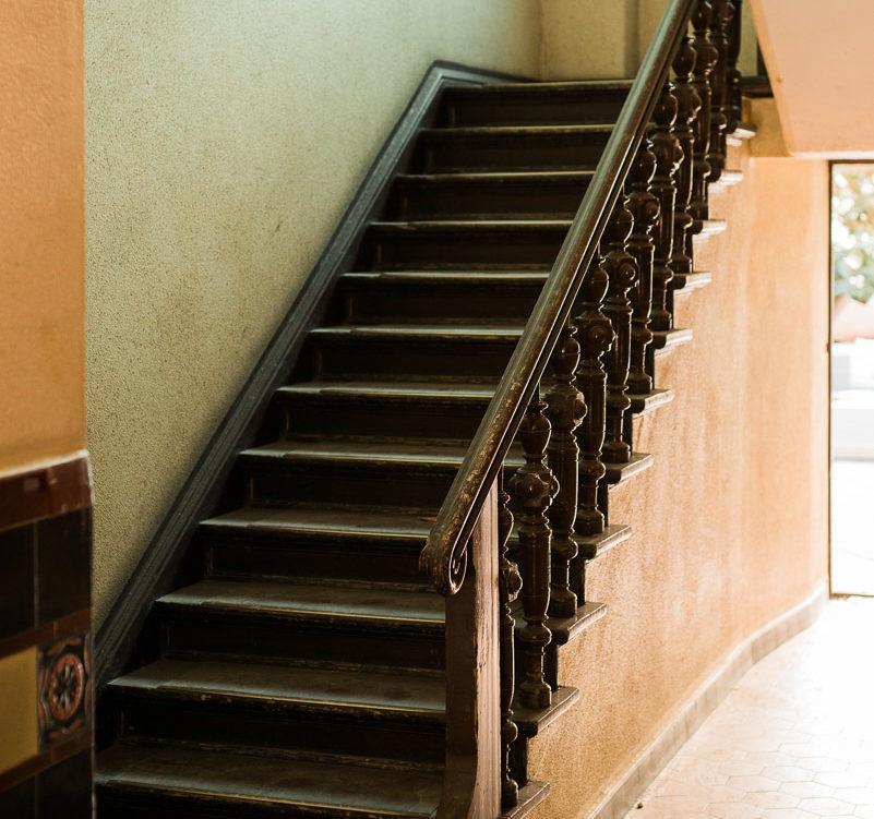 Symbolbild Treppenhaus