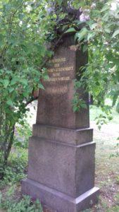 Grabmal eines Steongrafen