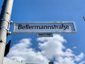Straßenname auf Schild