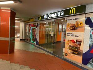 McDonalds im U-Bahnhof Foto: Samuel Orsenne