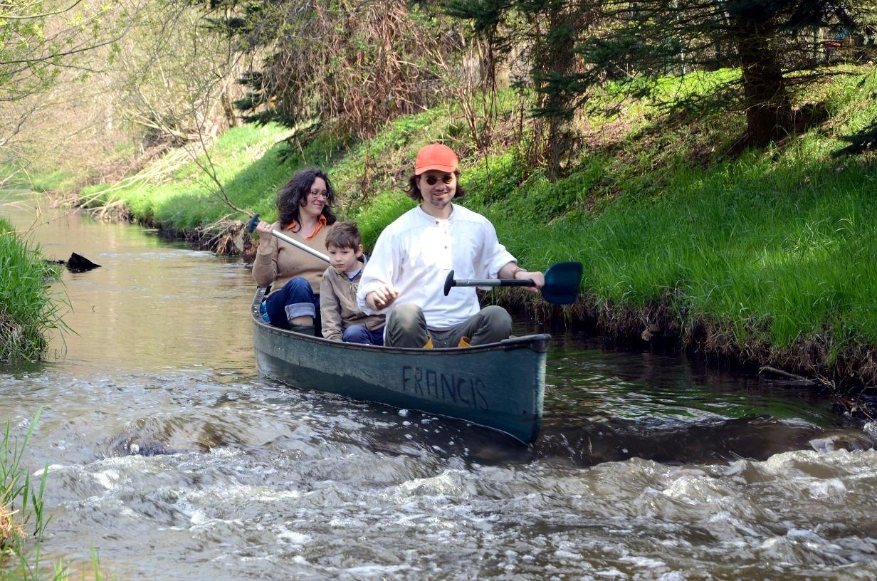 Paddler in einem Kanu auf der Panke