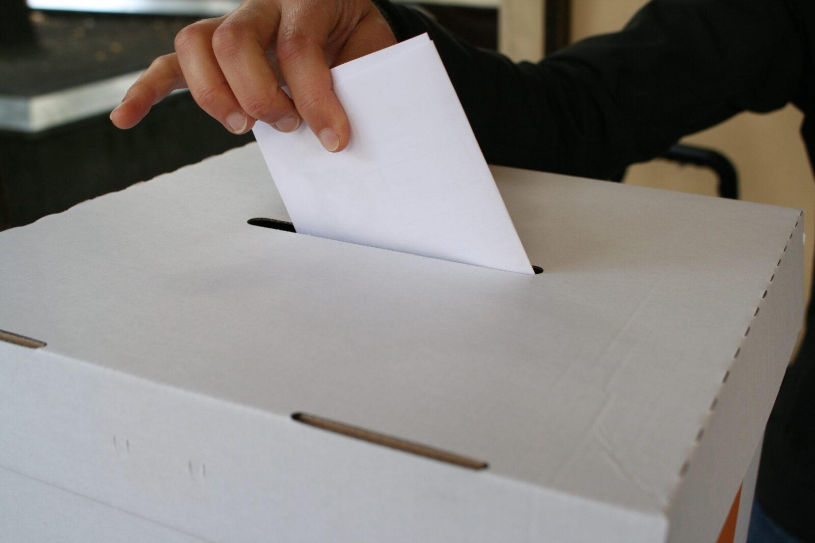 Wahlurne. Foto: Andrei Schnell